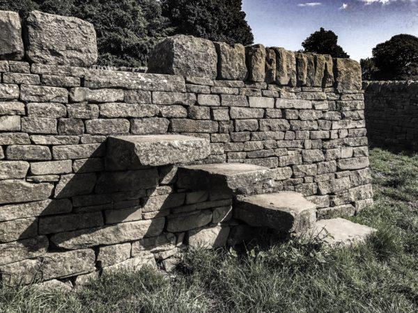 Andy Goldsworthy - Shadow Stone Fold