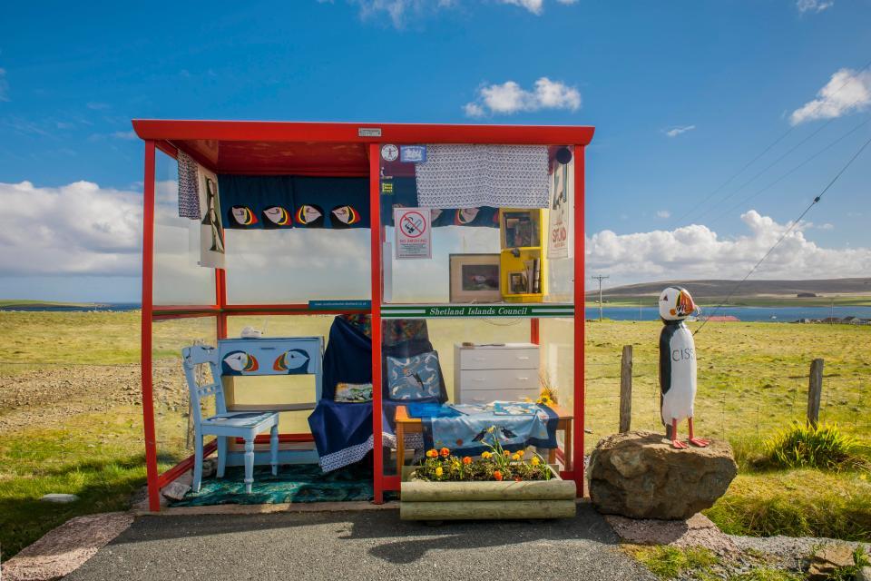 Bus Shelter in Scotland, Conceptual Artis, Conceptual Art, Roland Keates, art, Roland