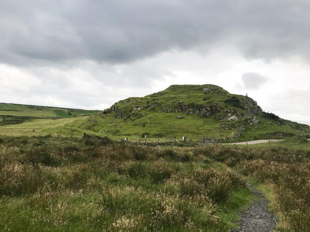 V. Gordon Childe, Northern Ireland, dún mór, fort, Hillfort, fortress