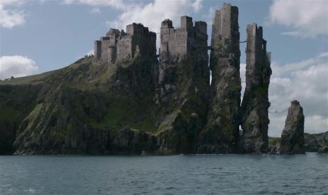 Game of Thrones filming location at Dunluce Castle (Greyjoy Residence)
